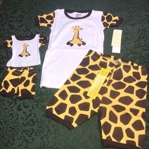 NWT Giraffe 5 or 8 matching doll girls 4pc pajamas